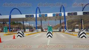 Coatzacoalcos, Ver., 27 de abril de 2017.- La tarde de este jueves el gobernador Miguel Ángel Yunes Linares develó la placa de inauguración del Túnel Sumergido de Coatzacoalcos del lado de la localidad de Villa Allende.