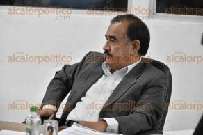 Xalapa, Ver., 27 de abril de 2017.- La noche de este viernes consejeros sostuvieron sesión ordinaria en el Organismo Público Local Electoral, reunión presidida por Alejandro Bonilla Bonilla.