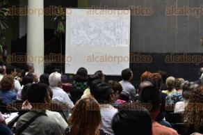 Xalapa, Ver., 28 de abril de 2017.- La tarde de este viernes, el doctor en historia contemporánea, Alejandro Mariano Pérez, de la asociación civil Xalapa Antiguo, impartió la conferencia
