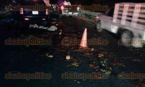 Medellín de Bravo, Ver., 29 de abril de 2017.- La madrugada del sábado, en la autopista Veracruz-Córdoba, ocurrió un fuerte accidente vehicular, perdiendo la vida 4 personas adultas y una menor de edad.