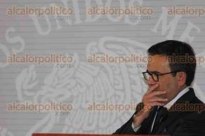 Ciudad de México, 23 de mayo de 2017.- Los secretarios de Relaciones Exteriores y de Economía, Luis Videgaray e Ildefonso Guajardo, se reunieron con la ministra del Exterior de Canadá, Chrystia Freeland, para fortalecer las relaciones bilaterales en varios sectores rumbo a la reestructuración del TLC.