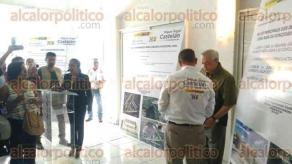Ixtaczoquitlán, Ver., 24 de mayo de 2017.- El candidato del PAN-PRD, Miguel Ángel Castelán, firmó compromisos de campaña ante Notario y teniendo como aval a representantes de comunidades rurales.