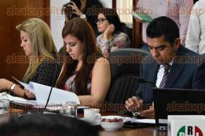 Xalapa, Ver., 25 de mayo de 2017.- Sesión extraordinaria del Consejo General del OPLE, presidida por el consejero presidente, Alejandro Bonilla Bonilla, en la sala de sesiones del organismo.