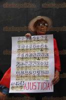 """Ciudad de México, 26 de mayo de 2017.- A 32 meses de la desaparición forzada de los 43 normalista de Ayotzinapa, sus padres exigieron justicia y castigo a los responsables durante su marcha del """"antimonumento"""" +43 hacia la PGR."""