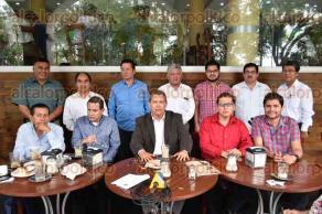 Xalapa, Ver., 29 de mayo de 2017.- En conferencia de prensa, el grupo de evangélicos encabezado por Guillermo Trujillo Álvarez, hace un llamado a la población para que acuda a votar este 4 de junio.