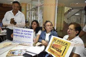 Xalapa, Ver., 29 de mayo de 2017.- Integrantes de la Asociación de Funcionarios y Empleados de Confianza de la Universidad Veracruzana, en conferencia de prensa, exigieron la renovación inmediata de su dirigencia actual.
