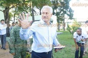 Boca del Río, Ver., 21 de junio de 2017.- El gobernador Miguel Ángel Yunes Linares, junto con integrantes del Grupo de Coordinación Veracruz, reiteró desde el Cuartel Militar de La Boticaria, que a partir de este miércoles se reforzará la vigilancia en varios puntos del Estado; incluyendo la zona conurbada Veracruz-Boca del Río.