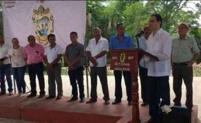 Actopan, Ver., 21 de junio 2017.- Cumpliendo compromisos adquiridos con los habitantes de este municipio, Adolfo Mota, diputado federal, inauguró obras en las comunidades de Ídolos y Coyoles.