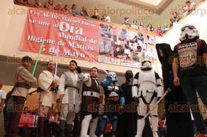 Xalapa, Ver., 23 de junio de 2017.- Integrantes del Club de Fans de Star Wars, participaron en la campaña de donación de sangre, en el Centro de Alta Especialidad.