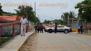 Coatzacoalcos, Ver., 24 de junio de 2017.- En una vivienda ubicada en la calle Emiliano Zapata casi Miguel de la Madrid de la colonia Nueva Calzadas, fueron asesinadas 6 personas.