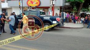 Cardel, municipio de La Antigua, Ver., 24 de junio de 2017.- El restaurante donde se produjeron los hechos, fue acordonado por las fuerzas policiacas.