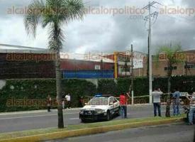 Córdoba, Ver., 25 de junio de 2017.- Una pareja de motociclistas resultó lesionada de gravedad al ser atacada a balazos.
