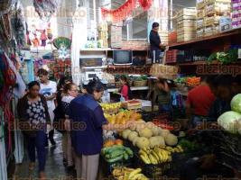 Coatepec, Ver., 26 de junio d 2017.- Tras el retiro de vendedores ambulantes, repuntaron las ventas de locatarios del mercado