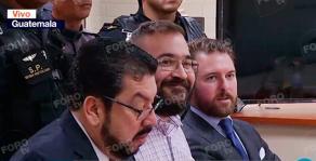 Ciudad de Guatemala, 27 de junio de 2017.- Bajo fuertes medidas de seguridad policial y penitenciaria, Javier Duarte de Ochoa llegó a las 12:06 hora local (13:06 hora del centro de México) a la Torre de Tribunales de Guatemala, para enfrentar una audiencia de extradición a México.
