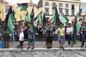 Xalapa, Ver., 27 de junio de 2017.- Integrantes de la agrupación M.I.L.E.S., se manifiestan en Plaza Lerdo para exigir un alto a la represión policiaca.