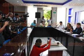 Xalapa, Ver., 21 de julio de 2017.- La diputada del PAN, Mariana Dunyaska y el presidente de CANACINTRA Xalapa, Juan Manuel García, anunciaron el seminario,