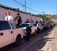 Xico, Ver., 22 de julio de 2017.- Decenas de elementos de Seguridad Pública, Policía Ministerial, Fuerza Civil, entre otros, son ocupados para cuidar la suelta de toros con motivo de las fiestas de este municipio.