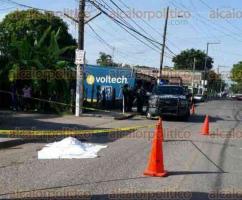 Medellín de Bravo, Ver., 22 de julio de 2017.- Este sábado, una mujer de 66 años fue atropellada por un autobús de la ruta Medellín-Jamapa, sobre la avenida Independencia de la localidad El Tejar.