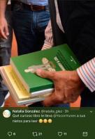 Xalapa, Ver., 22 de julio de 2017.- Usuaria de Twitter compartió la imagen de uno de los libros que adquirió el gobernador Miguel Ángel Yunes Linares para sus nietos, en la Feria Nacional del Libro. Se trata del título Madoff & Cía: vida y milagros de los hombres que cometieron los grandes fraudes de la historia del capitalismo.