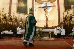 Xalapa, Ver., 23 de julio de 2017.- Como cada domingo, fieles católicos asistieron a la misa que oficia el arzobispo Hipólito Reyes Larios.
