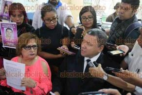 Xalapa, Ver., 24 de julio de 2017.- Ricardo Morales Carrasco representante jurídico del Colectivo por la Paz Xalapa, informó que la desaparición forzada de personas constituye un delito de lesa humanidad y por ello presentarán un escrito ante la Corte Penal Internacional, contra quienes resulten responsables por estos crímenes.