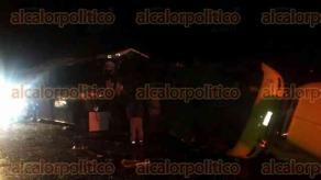 Cuitláhuac, Ver., 25 de julio de 2017.- La madrugada de este martes se registró un fuerte accidente sobre la autopista La Tinaja-Córdoba.