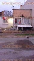 Minatitlán, Ver., 25 de julio de 2017.- A consecuencia de la lluvia ocurrida durante la noche de este martes, en este municipio y Coatzacoalcos hubo casas destechadas, árboles y espectaculares caídos.
