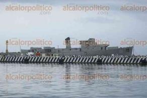 Veracruz, Ver., 26 de julio de 2017.- Desmantelan buque de la Armada de México, Comodoro Manuel Azueta, para que pueda ser hundido y utilizado como arrecife artificial, pues ya fue dado de baja de la flota de barcos de la SEMAR.