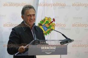 Xalapa, Ver., 26 de julio de 2017.- El gobernador Miguel Ángel Yunes Linares, ofreció conferencia de prensa a medios de comunicación, en el Palacio de Gobierno, para hablar sobre el fideicomiso para la reestructuración de la deuda.