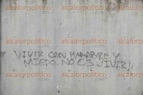 Veracruz, Ver., 26 de julio de 2017.- En una barda del IVEC alguien escribió