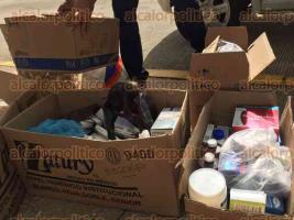 Coatzacoalcos, Ver., 27 de julio de 2017.- Juan Pablo García Rico, venezolano que vive desde hace 9 años con su familia en este municipio, inició una colecta de medicamentos para enviar a su país natal. A la fecha ha recolectado 7 cajas, pero no tiene los recursos para el envío.