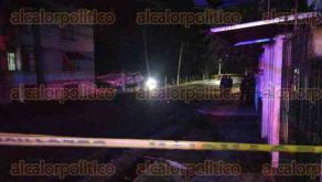 Córdoba, Ver., 27 de julio de 2017.- El conductor de un automóvil Seat Ibiza fue asesinado a balazos en la Calle 9, a la altura de la entrada a la unidad Loma Linda. Elementos de la Policía Militar, SSP y personal de Fiscalía arribaron al sitio.