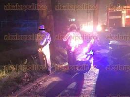 Xalapa, Ver., 15 de agosto de 2017.- El conductor de una camioneta intentó darse a la fuga después de atropellar a un peatón sobre el bulevar Xalapa-Banderilla. Testigos de los hechos lo detuvieron hasta que arribó personal de la Policía Vial.
