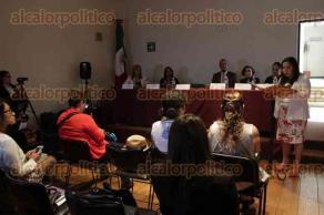 """Xalapa, Ver., 17 de agosto de 2017.- En el auditorio de la biblioteca """"Carlos Fuentes"""" se abrió el foro"""