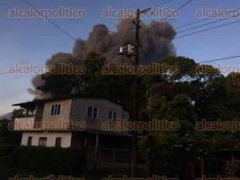 Ixtaczoquitlán, Ver., 19 de agosto de 2017.- Una fuga en un ducto de PEMEX, ocasionada por