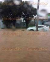 Banderilla, Ver., 20 de agosto de 2017.- La lluvia de esta tarde inundó la carretera Banderilla-Xalapa, a la altura de La Martinica y El Gallito. Por redes sociales, ciudadanos pidieron precaución al circular por la zona.