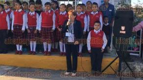 Córdoba, Ver., 21 de agosto de 2017.- Luego de más de 30 días de vacaciones, este lunes estudiantes de nivel básico, de la zona centro regresaron a las aulas para el ciclo escolar 2017-2018.