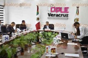 Xalapa, Ver., 23 de agosto de 2017.- Sesión extraordinaria del Consejo General del OPLE, presidida por el consejero presidente Alejandro Bonilla Bonilla.