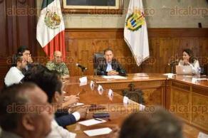 Xalapa, Ver., 19 de septiembre de 2017.- El gobernador Miguel Ángel Yunes Linares encabezó la reunión del Comité Estatal de Emergencias y ofreció una conferencia de prensa para informar sobre las afectaciones detectadas en la entidad tras el sismo.