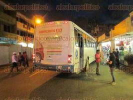 Veracruz, Ver., 20 de septiembre de 2017.- Un peatón fue arrollado por un autobús del servicio urbano, ruta Urbina-Chivería-El Vergel, en la zona Centro de la ciudad.