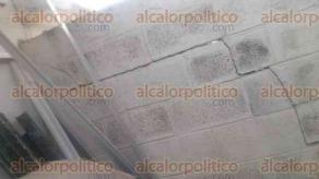 Xalapa, Ver., 21 de septiembre de 2017.- Reporta cuarteaduras en casa de Lomas Santa Fe Homex; pide autoridades construyan un muro de contención, ante grietas en barda.