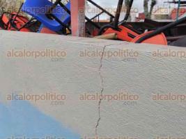 """Xalapa, Ver., 21 de septiembre de 2017.- La primaria """"Miguel Hidalgo"""", en la avenida Miguel Alemán, refleja en sus muros y pisos sus más de 60 años de antigüedad; se observan grietas que atribuyen a los recientes sismos."""