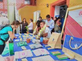 Xalapa, Ver., 20 de septiembre de 2017.- La rectora de la Universidad Veracruzana, Sara Ladrón de Guevara inauguró la Exposustenta-Feria de la Sustentabilidad 2017, en la Unidad de Artes.