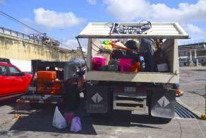 Xalapa, Ver., 21 de septiembre de 2017.- El alcalde Américo Zúñiga dio el banderazo de salida a la entrega de seis toneladas de ayuda humanitaria para afectados por el sismo del pasado martes.