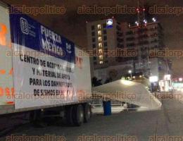 Boca del Río, Ver., 21 de septiembre de 2017.- El Ayuntamiento y el DIF municipal, instalaron un centro de acopio en el bulevar Ruiz Cortines, tomando la iniciativa del sector empresarial