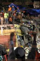 Ciudad de México, 22 de septiembre de 2017.- En el multifamiliar de Tlalpan cientos de rescatistas, militares y voluntarios trabajan para rescatar a las personas atrapadas. El equipo USAR de El Salvador intervinieron la noche de este jueves.