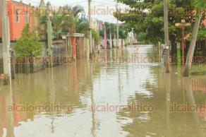 Álamo Temapache, Ver., 25 de septiembre de 2017.- Encharcamientos e inundaciones en colonias de este municipio.