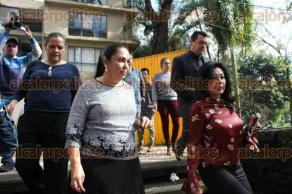 Xalapa, Ver., 26 de septiembre de 2017.- La rectora de la UV, Sara Ladrón de Guevara, participó en el simulacro de evacuación en la zona universitaria por sismo, donde los estudiantes desalojaron los edificios en un promedio de dos minutos.