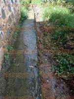 Xalapa, Ver., 26 de septiembre de 2017.- Desde el 28 de agosto se reportó fuga de drenaje en la privada Rafael Hernández Ochoa de la colonia El Pocito y no ha sido atendida.
