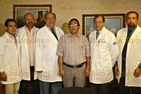Veracruz, Ver., 17 de octubre de 2017.- Médicos de la especialidad de Nefrología del Hospital de Alta Especialidad de Veracruz, dieron a conocer su éxito en una cirugía denominada